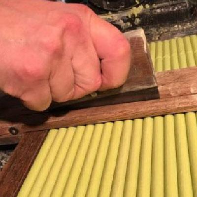 Coupe des tiges pastels à la longueur